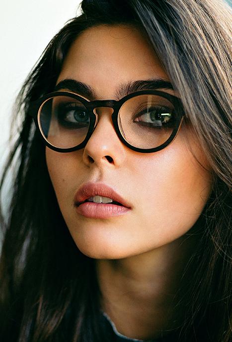 lunettes en bois pour femme pour un look atypique et. Black Bedroom Furniture Sets. Home Design Ideas